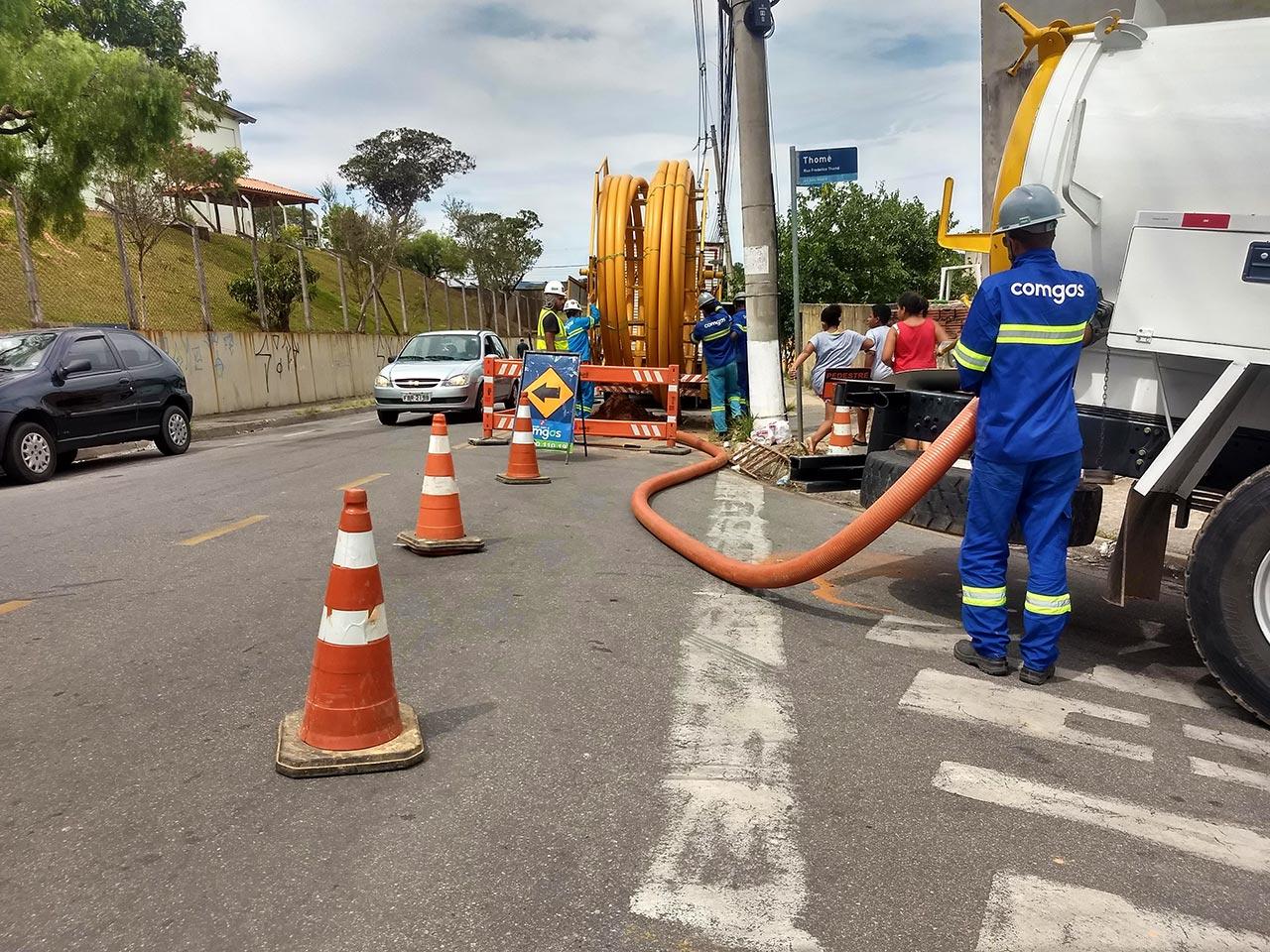 Rompimento de adutora prejudica abastecimento de água na Capela - Jornal de Vinhedo
